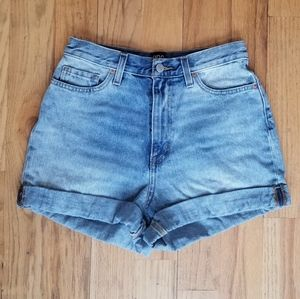 BDG GREAT COND MOM JEAN HI WAIST ROLLED JEAN SHORT